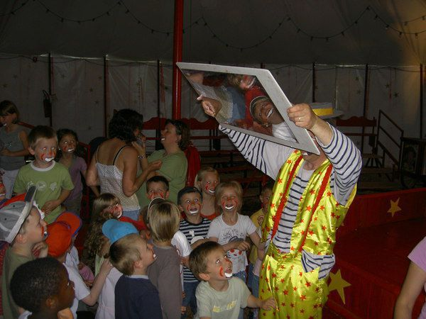 Une journée cirque sous chapiteau avec tonio le clown