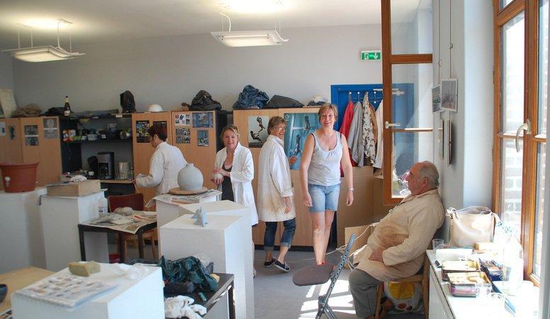 ateliers art terre du p v le genech sculpture r gion lille genech 59242. Black Bedroom Furniture Sets. Home Design Ideas